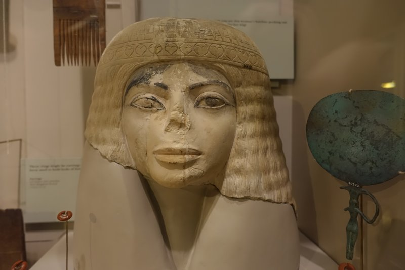 michael-jackson-egyptian-statue
