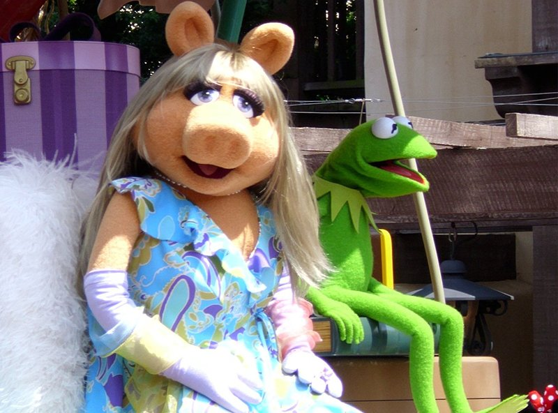 miss-piggy-kermit-broken-up