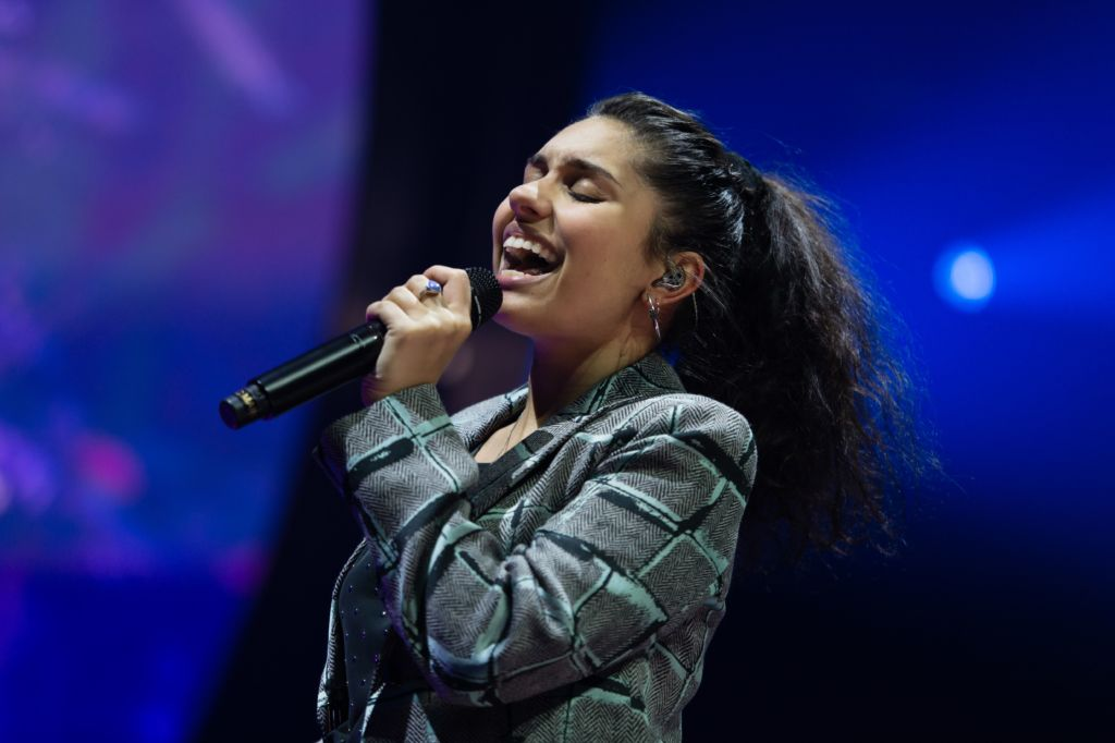 Alessia Cara Singing on Stage