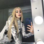 Ava Max Selfie
